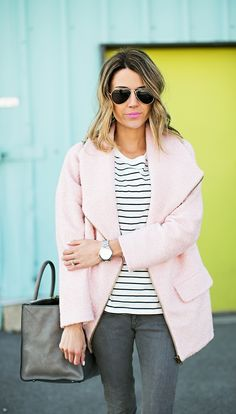 pink coat and stripes Hello Fashion Blog, Fashion Bloggers, Boyfriend Coat, Outfit Goals, Autumn Winter Fashion, Winter Style, Passion For Fashion, Style Me, Cool Outfits