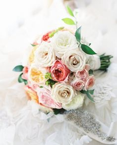 Carolyn's luscious rose bouquet - Photo by Clary Pfeiffer - Plum Sage Flowers