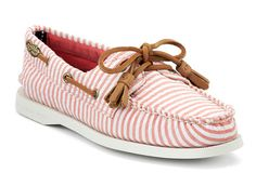 Pink seersucker boat shoes (I think I have an obsession with Sperrys) Cute Shoes, Me Too Shoes, Sperry Topsiders, Sperry Boat Shoes, Sailing Shoes, Mesh T Shirt, Boat Accessories, Blue Ties, Seersucker