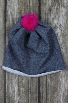 Czapka z różowym pomponem / 50cm w Kropka Textile na DaWanda.com