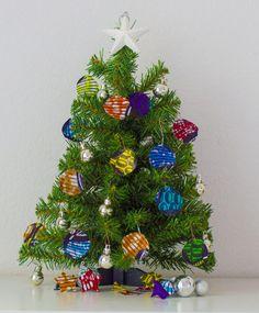 DIY easy to make wax print Christmas decoration fayahfayah.com