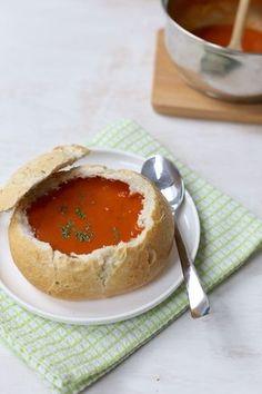 Creamy tomato soup in a sandwich - Lekker en Simpel - I Love Food, Good Food, Yummy Food, Happy Foods, High Tea, Food Design, Diy Food, Food Inspiration, Food Porn