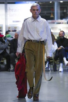 Vetements fashion show Ready To Wear Collection Fall Winter 2017 Paris  NOWFASHION Couture Collection, Aw17 c57250bb263