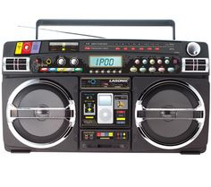 Ghetto Blaster With iPod / iPhone Dock | DudeIWantThat.com