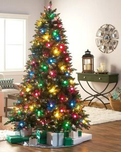 How do professionals decorate Christmas trees? |  How do I decorate my Christmas tree? |  What goest first on a Christmas tree? | How to Apply Winter Home Decoration Ideas |