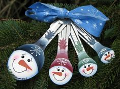 Hand painted snowman ornament measuring spoons