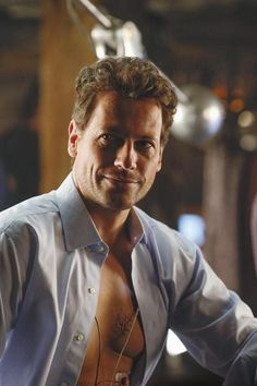 Ioan Gruffudd in 'Forever'... Plays a well dressed, well educated, slightly bearded gentleman ❤️