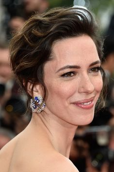 Rebecca Hall Messy Cut - Rebecca Hall wore a messy-chic cut at the Cannes premiere of 'The BFG.'