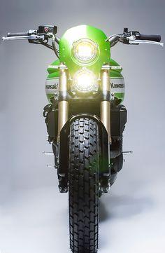 'Urban X' Kawasaki Ninja 650 – Smoked Garage Trust Me I'm A Biker Please Like Page on Facebook: https://www.facebook.com/pg/trustmeiamabiker Follow On pinterest: https://www.pinterest.com/trustmeimabiker/