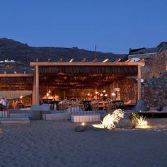 designs by soul alemagou restaurant mykonos Restaurant Mykonos, Outdoor Restaurant, Cafe Restaurant, Restaurant Design, Pool Bar, Beach Resorts, Hotels And Resorts, Luxury Hotels, Ibiza