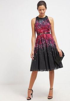 Little Mistress Cocktailklänning - black - Zalando. Satin Dresses, Formal Dresses, Royal Clothing, Panel Dress, Festival Dress, Wrap Dress Floral, Birthday Dresses, Tee Dress, Knee Length Dresses