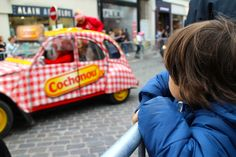 Waiting for the cyclists to arrive at the Tour de France. Find out more about how you can make an entire family holiday out of this here: http://www.suitcasesandstrollers.com/articles/view/le-tour-de-france-with-kids?l=s #GoogleUs #suitcasesandstrollers #travel #travelwithkids #familytravel #familyholidays #familyvacations #traveltips #France #TourdeFrance #cycling