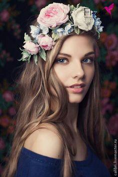 Цветочные веночки и композиции на голову | 40 фотографий