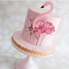 It's Pink Flamingo Day, Sweets fans, and as a Floridian I feel it's my patriotic duty to bring you only the finest feathered cakes. Flamingo Cake, Flamingo Birthday, Pink Flamingos, Pretty Cakes, Cute Cakes, Beautiful Cakes, Cake Wrecks, Bolos Pool Party, Bolo Laura