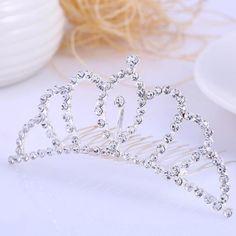 Corona Tiara Diadema Peine Nupcial Novia Boda Diamante de Imitación #03 es.tmart.com #corona #tiara #diadema #crown #novia #nupcial #wedding #boda #fiesta #evento #queen #princesa #princess #reina #moda #belleza #beauty #plata #birthdayparty #makeupparty #party #regalo #gift #girl #wishlist #navidad #christmas #tmart #Tmart #joyas #joyeria #jewellery #pulsera #anillo #pendiente #collar #silver #oro #lujo #accesorios #bridal #headband #plata #comb #peine #haircomb #hair #pinza #pin