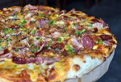Ahora en YAMMY tu almuerzo con descuento Bs. 90 en vez de Bs. 148 por 1 pizza mediana de 25 cm. + 2 Milaneza Napolitana + 1 gaseosa de 2 litros en YAMMY