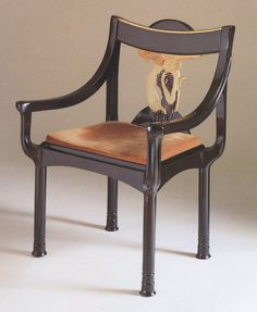 As the work of irish artist, furniture designer and architect Eileen Gray continues to command staggering prices at auction – her dragon's armchair holds the record price for century… Bauhaus, Art Deco Furniture, Furniture Design, Art Nouveau, French Art Deco, Eileen Gray, Mid Century Chair, Grey Chair, Laque