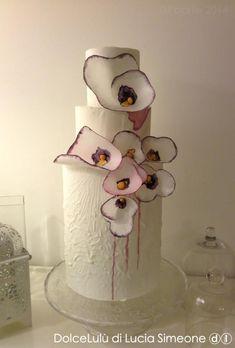Painting wafer paper flowers di DolceLulù di Lucia Simeone ⓓⓛ http://www.facebook.com/DolceLuludiLuciaSimeone