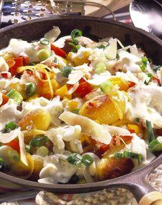 'Bunte Kartoffel-Pfanne mit Zaziki'