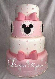 By Larissa Kanso Bolo Do Mickey Mouse, Mickey And Minnie Cake, Bolo Minnie, Minnie Mouse Birthday Cakes, Mickey Cakes, Cupcake Birthday Cake, Baby Cakes, Girl Cakes, Friends Cake