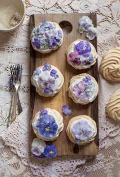 We love these Candied Viola & Pansy Mini Pavlovas