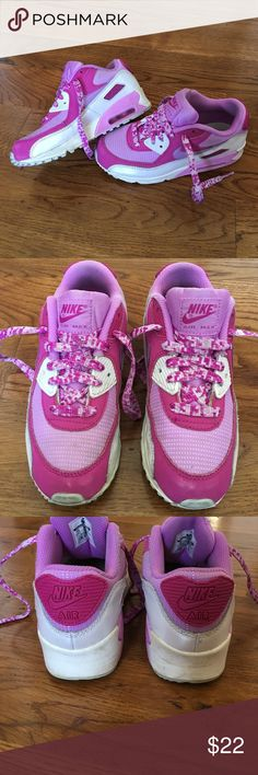 Girls 2Y Nike Air Max 90 shoes Good pre-owned clean shoes. Size girls 2Y. Nike Air Max 90's. Look at other listings for more size 2 and bundle to save! Nike Shoes Sneakers