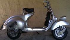 #Vespa 150 VL3 1956. http://www.arcar.org/moto-vespa-vl3-1956-76137