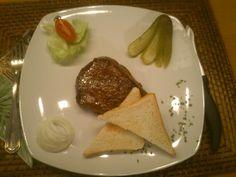Steaktoast :-) Tacos, Mexican, Ethnic Recipes, Food, Essen, Meals, Yemek, Mexicans, Eten