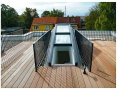 Dachgeschoss mit Aufdach-Terrasse und Aufzug in Berlin-Friedrichshain.