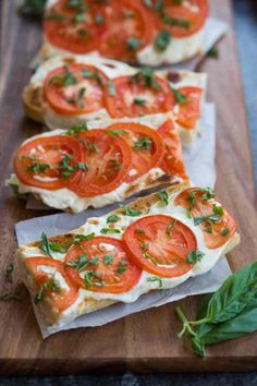 Tomato Basil Mozzarella Toasts - Everyone always LOVES these delicious and simple toasts. Serve them as a side dish or appetizer. A crusty baguette toasted with fresh mozzarella and tomato and garnish (Vegan Bbq Sandwich)