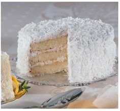 Love this Coconut Layer Cake from BJ's Wholesale Club.  NCAA Party Picks. @BJ's Wholesale Club