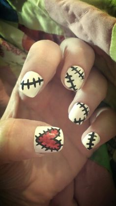 Voodoo nails. Stitched nail. Nails with stitches. Voodoo doll costume. Black White and red nails. Halloween nails