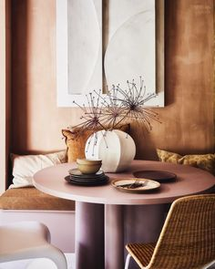 Warm Earthy Hues and Cozy Corners For A Moroccan-Style Home - The Nordroom Warm Color Schemes, Warm Colors, Half Painted Walls, Warm Bedroom, Warm Home Decor, Brown Kitchens, Cozy Corner, Beautiful Home Designs, Pink Walls