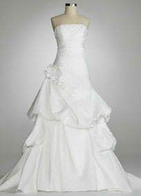 this is definitely going to be my wedding dress :)