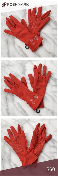 """Athleta Base Miles Lightweight Running Gloves XS/S Athleta Base Miles Stretch Gloves in red. Lightweight stretch gloves with soft brushed interior, perfect for cool weather. Athleta floral logo on back, elastic at wrist for custom fit, raised floral grip palms. Length 8.5"""", width (across palm) 3"""". All measurements approximate. Shown on model who wears size 6 glove. Poly/spandex, hand wash. NWOT. Athleta Accessories Gloves & Mittens"""