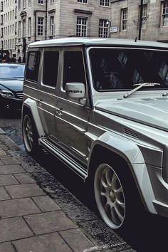 Whiteout glossy G-Wagon