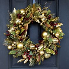 Christmas Wreaths For Front Door, Gold Christmas Decorations, Autumn Wreaths, Christmas Love, Holiday Wreaths, Winter Christmas, Christmas Crafts, Merry Christmas, Holiday Gifts