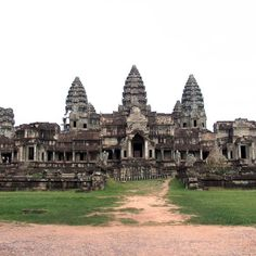Hidden Angkor Wat images rediscovered by Australian-Cambodian research team  Updated 6 hours 5 minutes ago