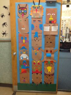 Colorful totem poles are fascinating symbols of Native American cultures. Take a look at these Totem Pole Craft Projects For Kids, which can be made from recycled material such as plastic bottles, tin cans or egg cartons. Craft Projects For Kids, Art Projects, History Projects, Totem Pole Craft, Pole Art, Native American Crafts, Thinking Day, Art Classroom, Art Plastique