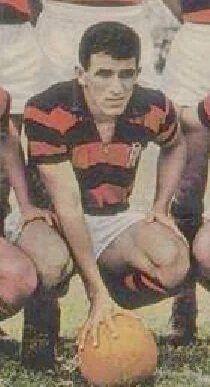 Aírton fez os 5 - 1964 - também chamado de Aírton Beleza, fez todos gols do time. Alemanha Oriental 1x5 Flamengo (Flamengo Eternamente).