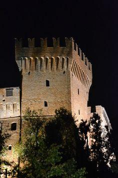 Il castello di Gradara nelle Marche: Italia (photo by Bg, agosto 2011)