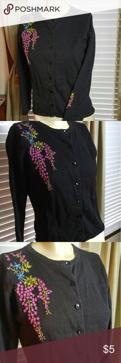 Cute cardigan Nice in good condition Designers Sweaters Cardigans