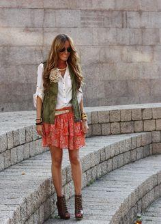 vest  - Zara (new), t-shirt - Stradivarius, skirt - Zara (new), boots -Nine West