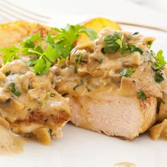 Baked Chicken With Creamy Mushroom Sauce Recipe from Chef Kirby's Favorite Recipes Chicken Steak, Baked Chicken, Crusted Chicken, Butter Chicken, Lemon Chicken, Chicken Soup, Crockpot Recipes, Cooking Recipes, Healthy Recipes