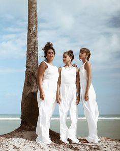 Viva Yemanjah (@vivayemanjah) • Fotos e vídeos do Instagram #matisse #estamparia #slowfashion #estampasexclusivas #camisaria #moda Lace Wedding, Wedding Dresses, Matisse, Foto E Video, Instagram, Fashion, White Jumpsuit, Stamping, Pictures