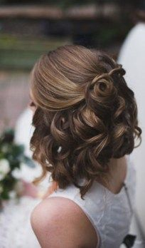 Beautiful wedding hairstyles short hair 18