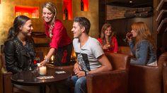 Lunchen, borrelen, terrasje pakken of lekker uit eten? Bij Grand Café de Twee Wezen kun je heerlijk genieten.
