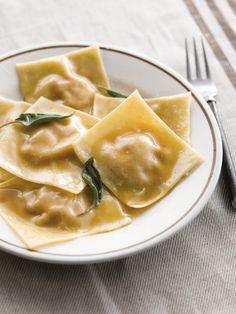 Williams-Sonoma: It's All About the Filling. Guide on making homemade stuffed pastas