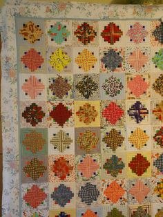another top to quilt Amish Quilts, Scrappy Quilts, Antique Quilts, Vintage Quilts, Log Cabin Quilts, Log Cabins, Pineapple Quilt, Cross Quilt, String Quilts