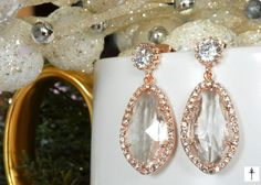 Rose gold Plated Clear Glass Pendant Earrings, Cubic Zirconia Earring with tear drops. Pendant Earrings, Pearl Earrings, Drop Earrings, Cubic Zirconia Earrings, Vintage Fashion, Vintage Style, Glass Pendants, Colored Glass, Rose Gold Plates